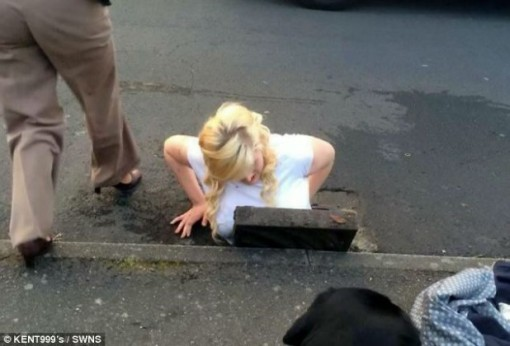 Woman-stuck-in-the-drain