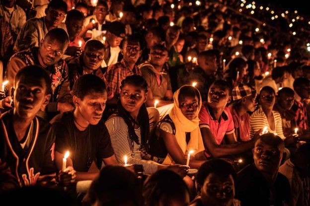 crowd of Rwandan at 25 yrs of genocide